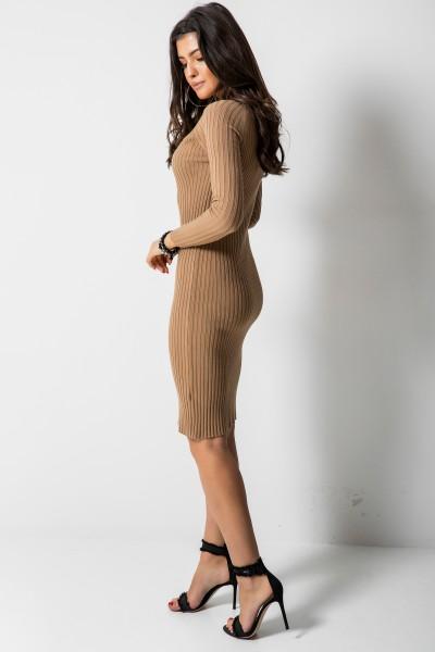 2611 Dopasowana Sukienka Camel