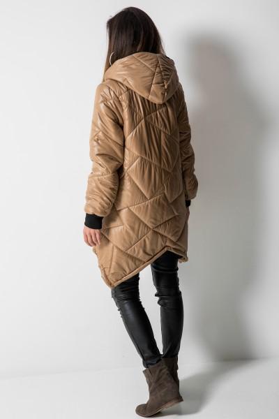 01 Asymetryczny Płaszcz Pikowany Romby Camel